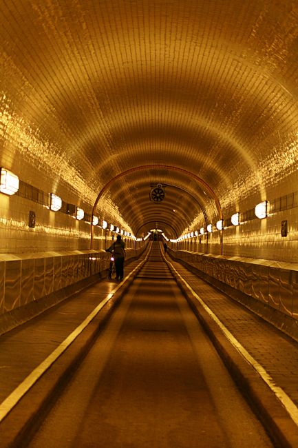 Zdjęcia: Port ., Hamburg, Tunel ., NIEMCY