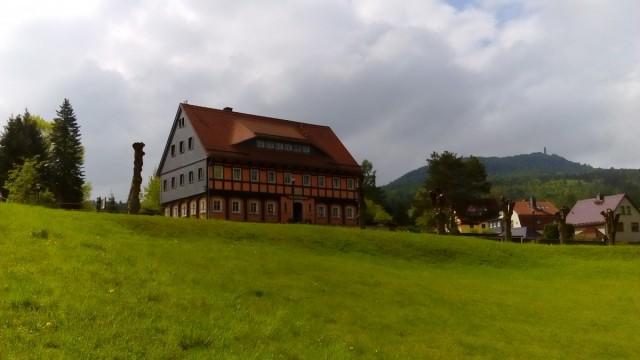 Zdjęcia: Oybin, Góry Żytawskie, Dom przysłupowy, NIEMCY