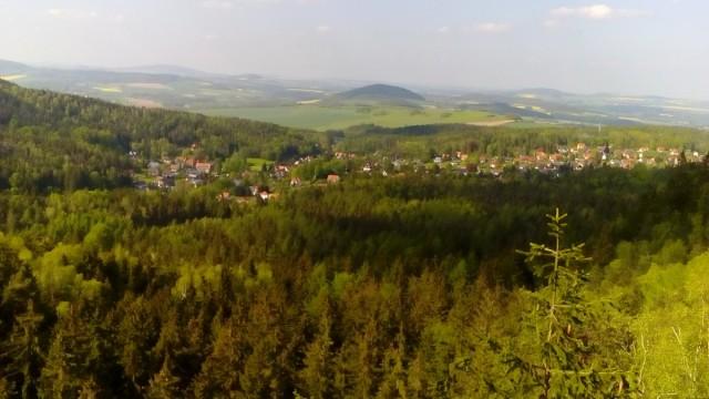 Zdjęcia: Jonsdorf, Góry Żytawskie, Widok ze skalnego miasta, NIEMCY