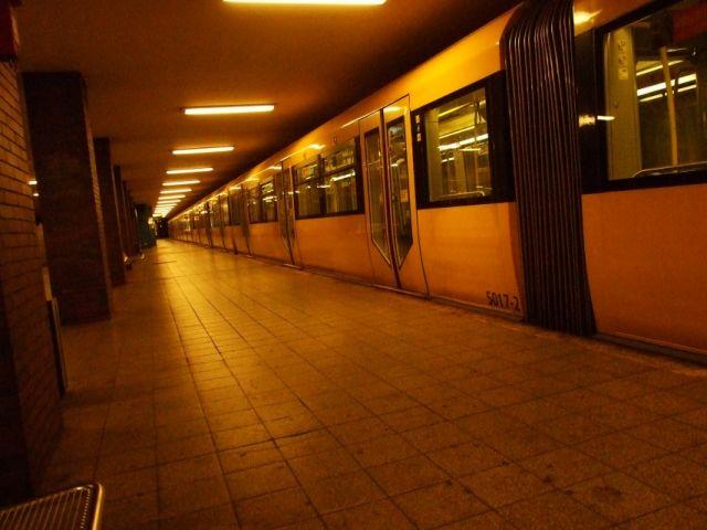 Zdjęcia: Berlin, metro, NIEMCY