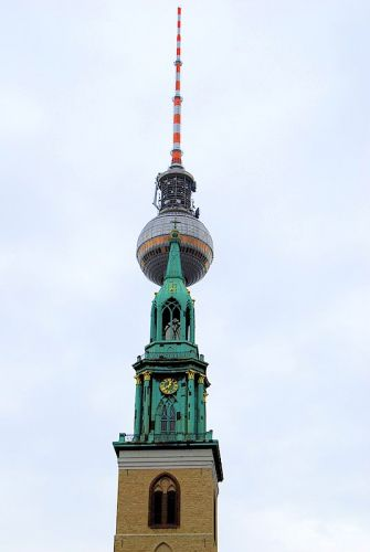 Zdjęcia: Skrzyżowanie Spandauer Str. z Karl-Liebknecht Str., Berlin, Znacie to miejsce?, NIEMCY