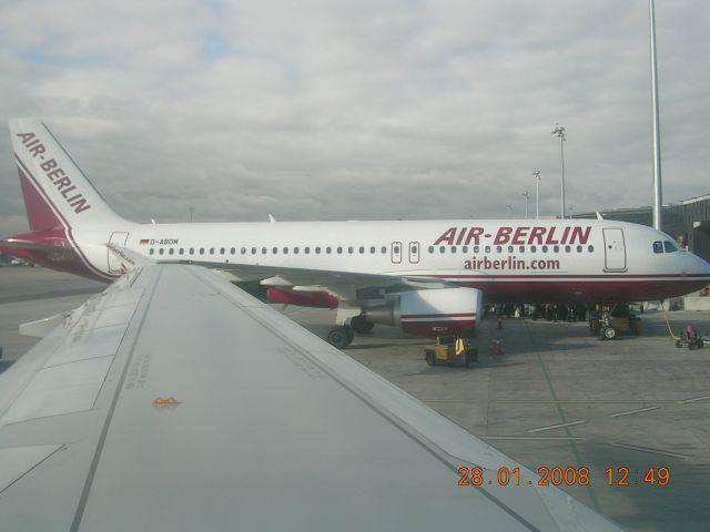 Zdjęcia: Lotnisko, Berlin, Latająca  maszyna, NIEMCY