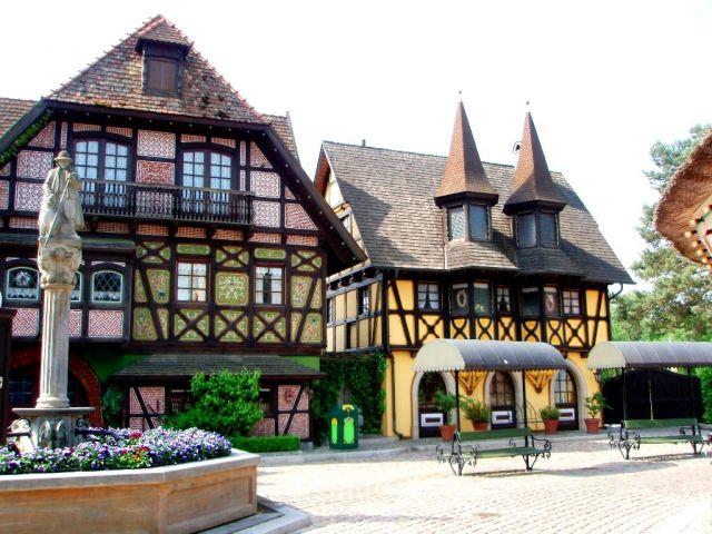 Zdj�cia: Drugi lunapark w Niemczech z tak du�� liczb� atrakcji, Soltau ko�o Hamburga, Heide-Park Soltau , NIEMCY