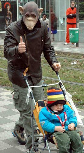 Zdjęcia: dusseldorf, nadrenia, mały nie jest dumny z rodziny..., NIEMCY