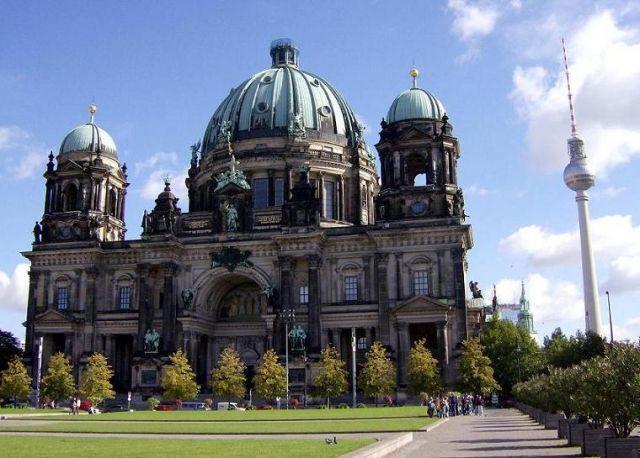 Zdjęcia: Berlin, Brandenburgia, Katedra w Berlinie i wieża TV, NIEMCY