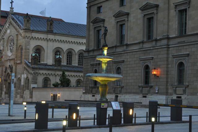 Zdjęcia: Monachium, Bawaria, fontanna, NIEMCY