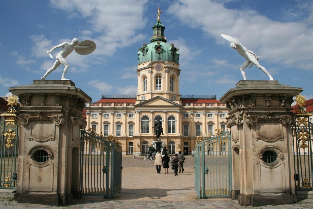 Zdjęcia: Pałac Charlottenburg, Berlin, Symetryczny, NIEMCY