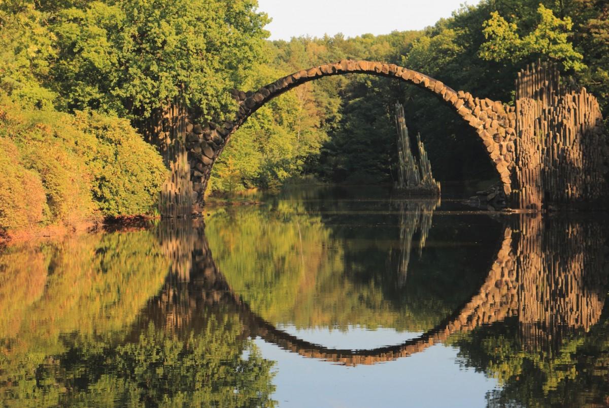 Zdjęcia: Gablenz w powiecie Görlitz , Saksonia, Most Rakotz czyli Most Diabła, NIEMCY