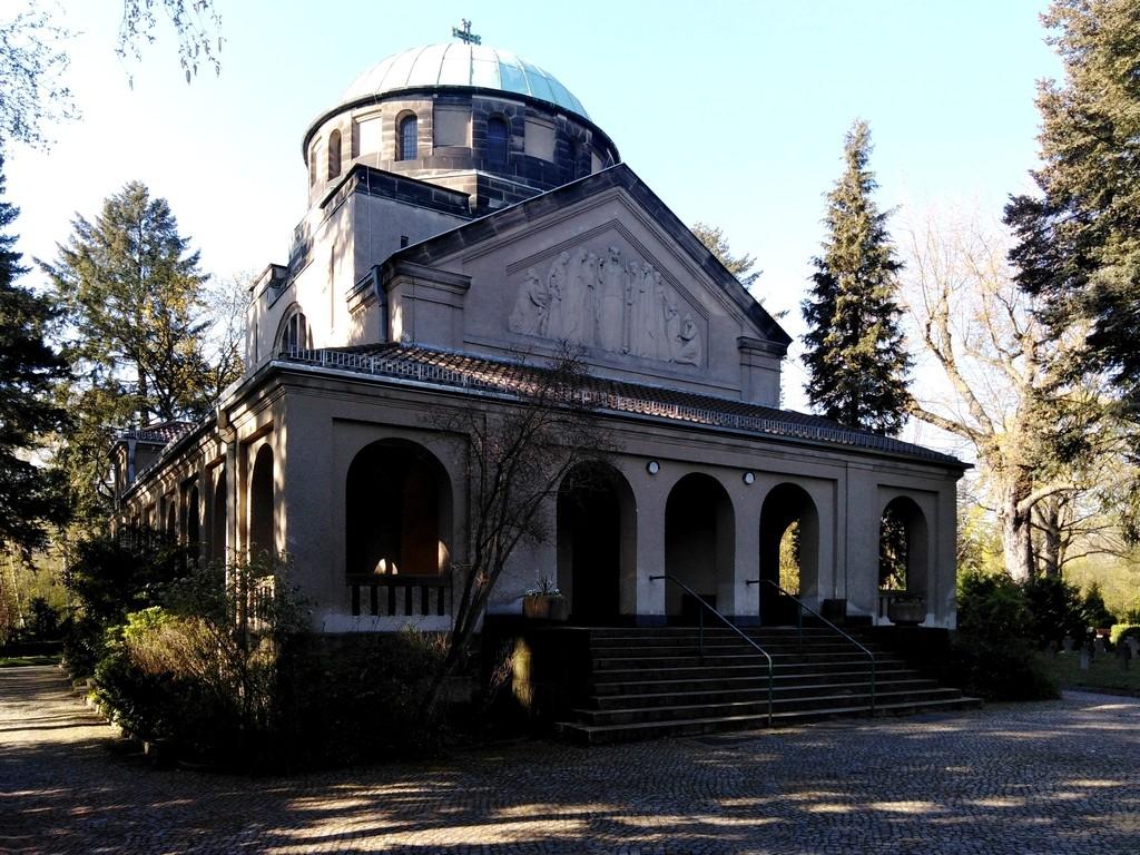 Zdjęcia: Berlin, Brandenburgia, Ciekawa kaplica cmentarna, NIEMCY