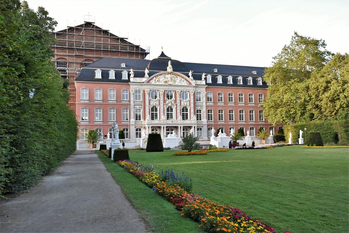 Zdjęcia: Trewir, Nadrenia-Palatynat, Trewir, pałac elektorów, park, NIEMCY