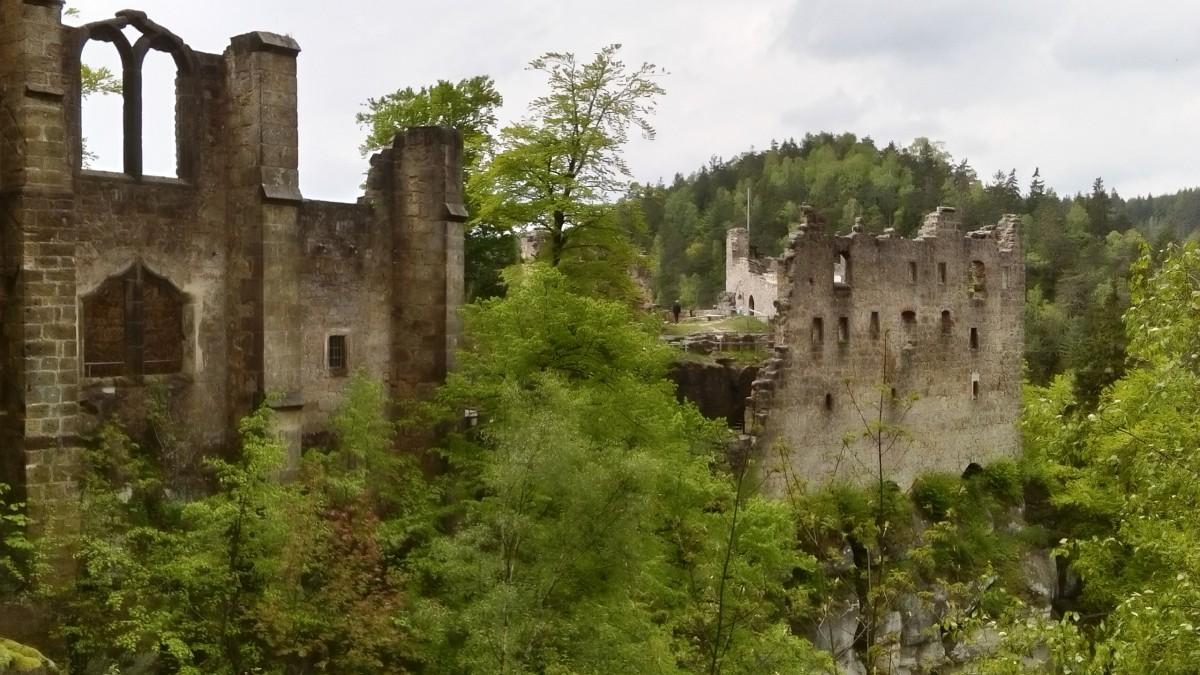 Zdjęcia: Oybin, Góry Żytawskie, Ruiny klasztoru i zamku na górze Oybin, NIEMCY