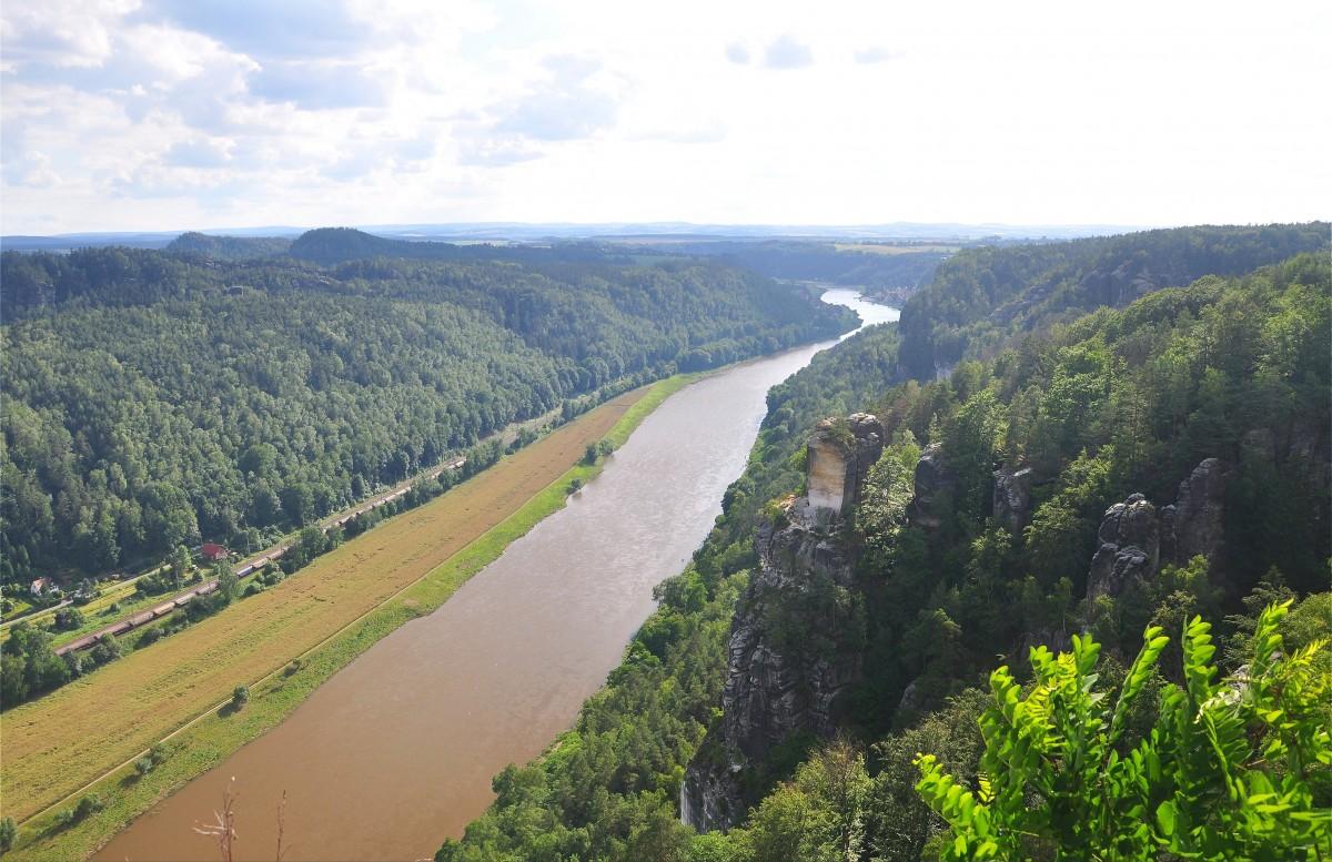 Zdjęcia: Saska Szwajcaria, Saksonia, Widok na Łabę, NIEMCY