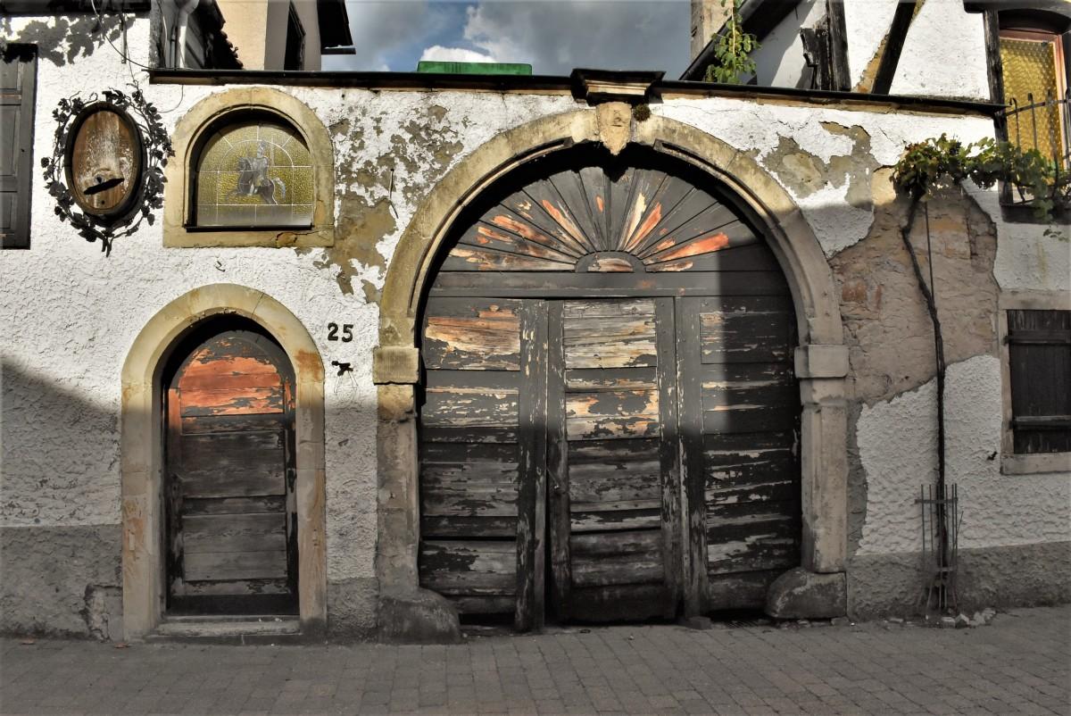 Zdjęcia: Wachenheim, Nadrenia Pallatynat, Wachenheim, stara brama do winiarza, NIEMCY
