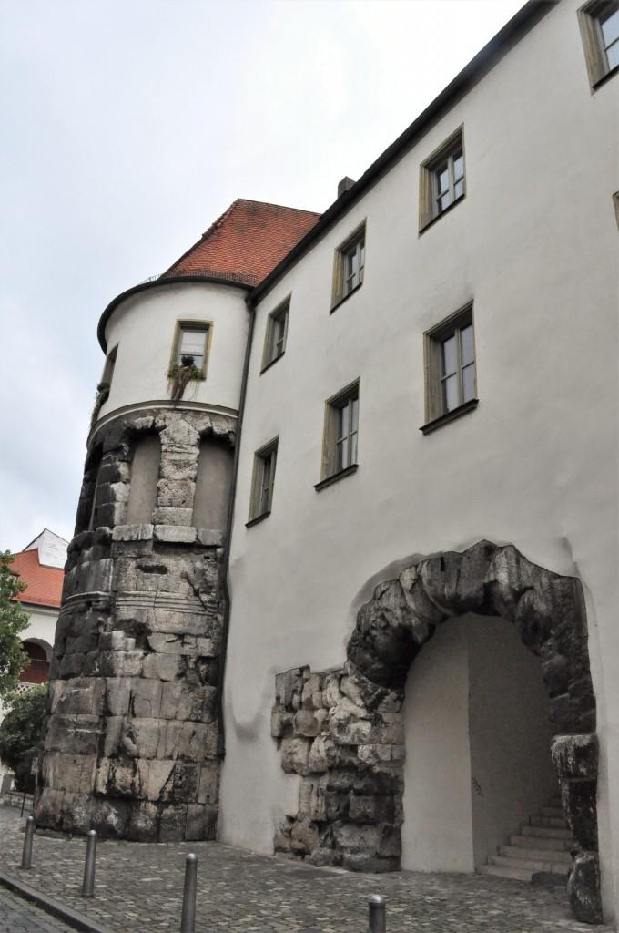 Zdjęcia: Regensburg, Bawaria, Regensburg, fragment rzymskiej bramy, NIEMCY