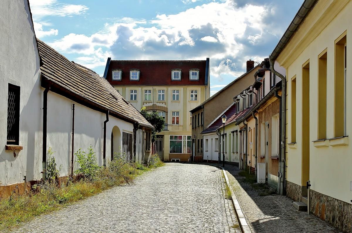 Zdjęcia: Eisenhüttenstadt, Brandenburgia, Uliczka, NIEMCY