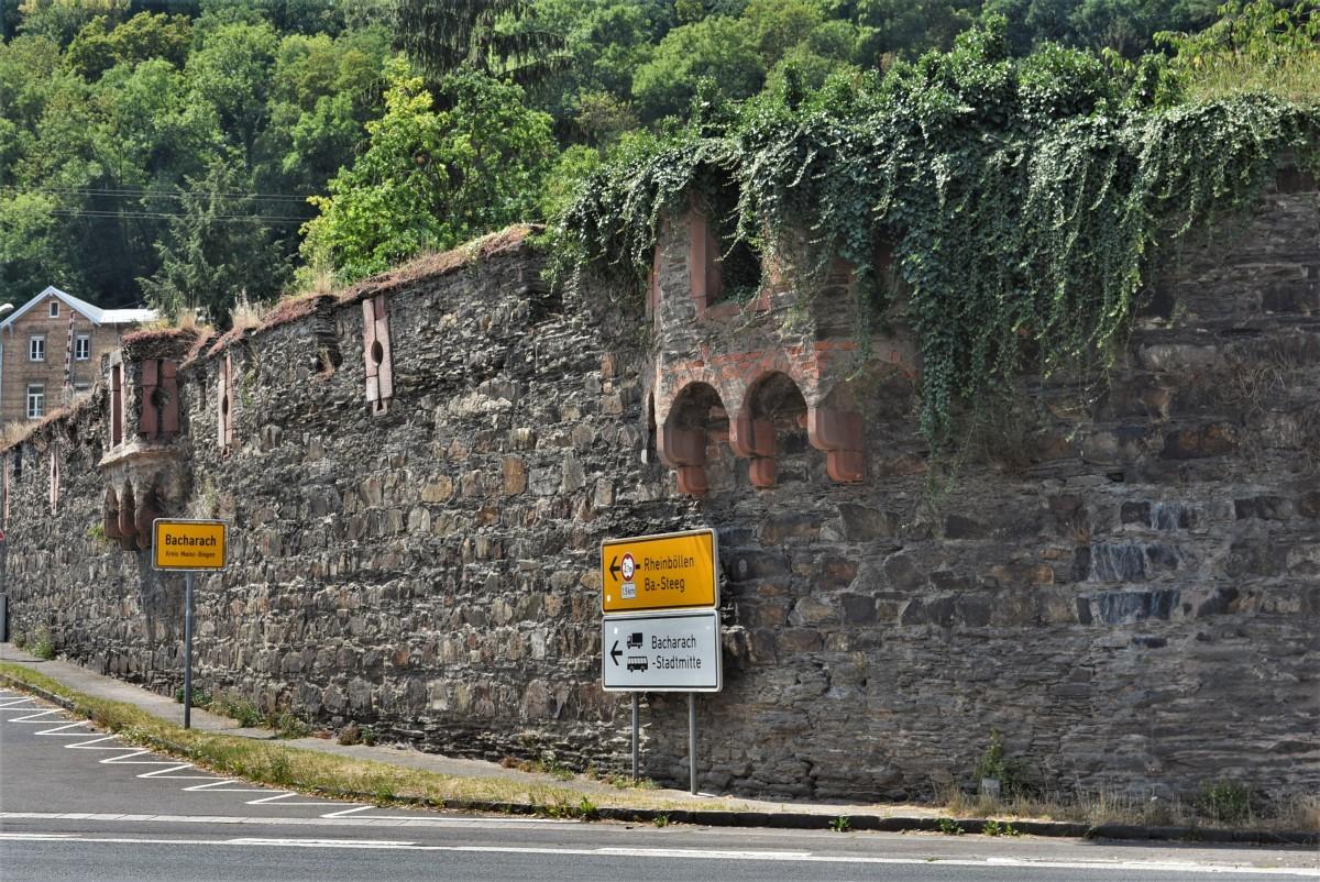 Zdjęcia: Bacharach, Dolina Renu, Bacharach, mury miejskie, NIEMCY