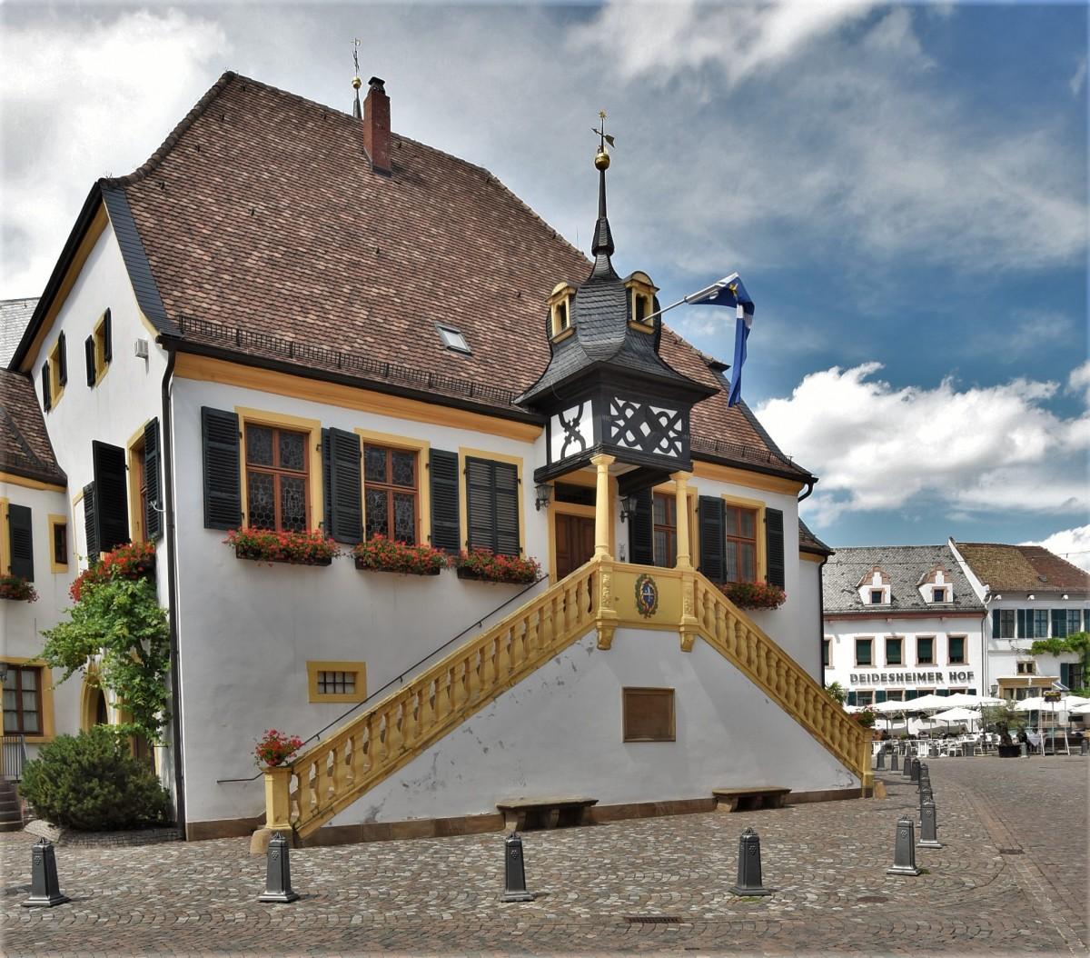 Zdjęcia: Deidesheim, Nadrenia-Palatynat, Deidesheim, ratusz, NIEMCY