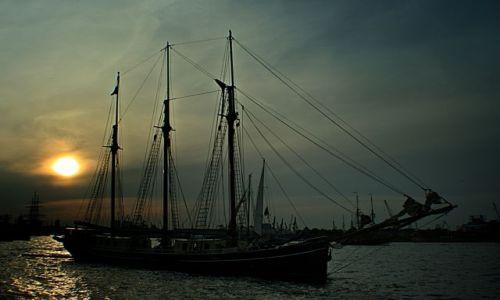 Zdjecie NIEMCY / Hamburg / Port . / Zaglowiec .