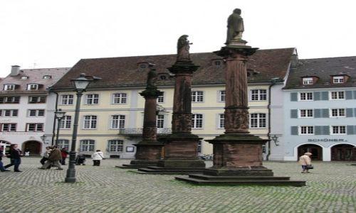 Zdjęcie NIEMCY / Badenia - Wirtembergia / Schwarzwald / Freiburg plac katedralny