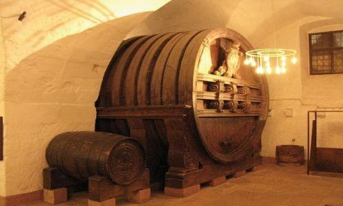 Zdjęcie NIEMCY / Badenia - Wirtembergia / Heidelberg / pałac Wittelsbachów - piwiarnia
