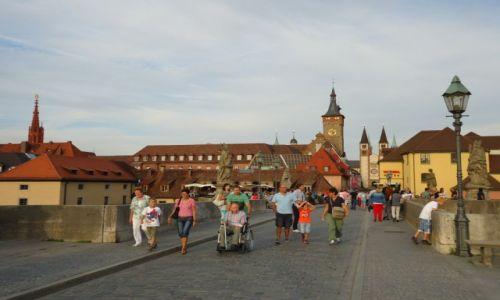 Zdjęcie NIEMCY / Bawaria (Frankonia) / Wurzburg / Wurzburg - średniowieczny most