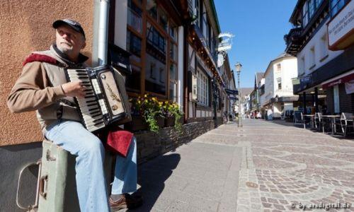 Zdjęcie NIEMCY / Eifel / Ahrweiler / Strassenmusiker