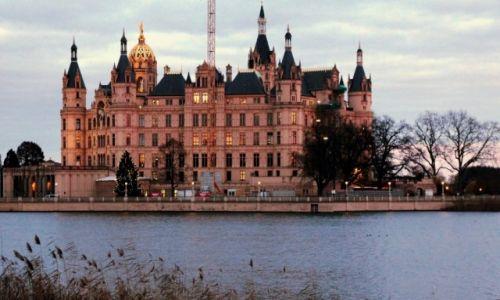 Zdjęcie NIEMCY / Pojezierze Meklemburskie / Schwerin / Zamek w Schwerinie