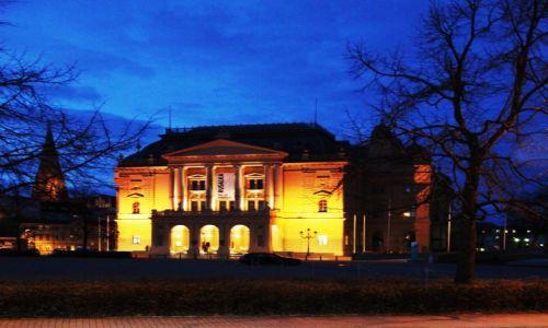 Zdjęcie NIEMCY / Pojezierze Meklemburskie / Schwerin / Teatr Państwowy Meklemburgia