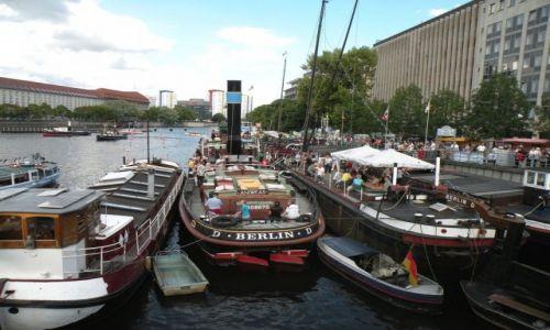 Zdjęcie NIEMCY / Berlin / Berlin / Parada statków zabytkowych
