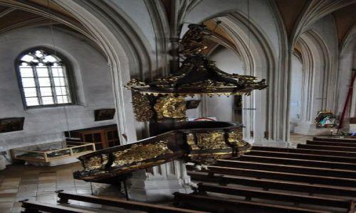 Zdjęcie NIEMCY / Bawaria / Bogenberg / Bogenberg, barokowa ambona zwieńczo figurą Jezusa dobrego pasterza.