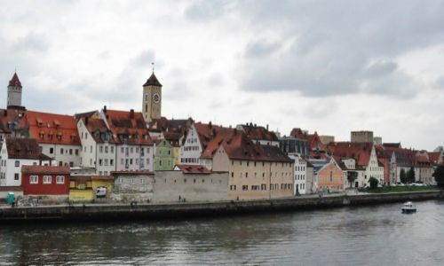 Zdjęcie NIEMCY / Bawaria / Ratyzbona / Ratyzbona, widok z zabytkowego mostu