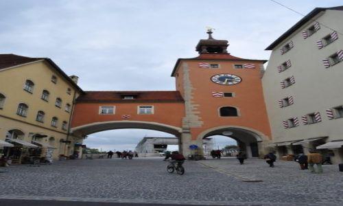 NIEMCY / Bawaria / Ratyzbona / Ratyzbona, Brama mostowa.