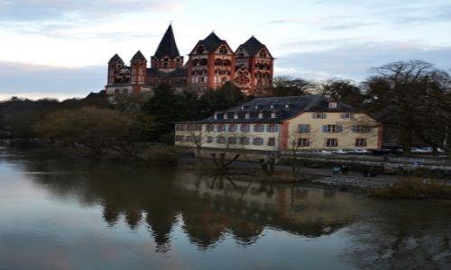 NIEMCY / Hesja / Limburg an der Lahn / wiecz�r nad rzek�
