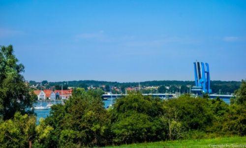 NIEMCY / Meklemburgia-Pomorze Przednie / Wolgast / Most Peenebrücke i fragment miasta
