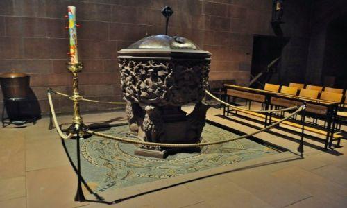 Zdjęcie NIEMCY / Pallatynat Nadrenia / Wormacja / Worms, średniowieczna romańska katedra