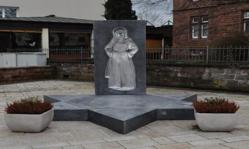 Zdjęcie NIEMCY / Nadrenia-Pallatynat / Bad Bergzabern / Bad Bergzabern, pomnik św. Edyty Stein