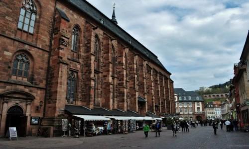 Zdjecie NIEMCY / Badenia-Wirtembergia / Heidelberg / Heidelberg, Kościół Świętego Ducha i rynek.
