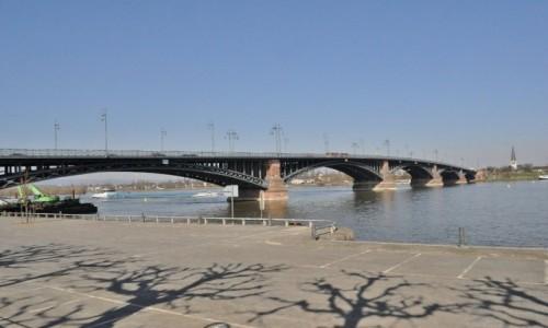 Zdjęcie NIEMCY / Nadrenia-Palatynat / Moguncja / Moguncja, nad Renem