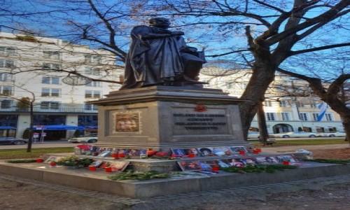 NIEMCY / Bawaria / Monachium / Tajemniczy pomnik Michaela Jacksona