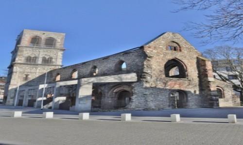 Zdjęcie NIEMCY / Rheinland-Pfalz / Moguncja / Moguncja, zbombardowany kościół św. Krzysztofa, miejsce pamięci