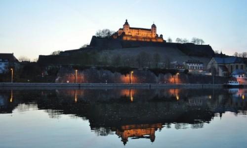 Zdjecie NIEMCY / Frankonia / Wurzburg / Wurzburg, zamek nocą