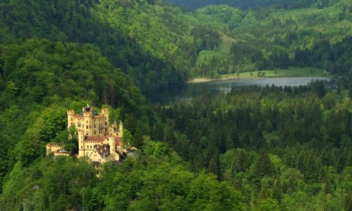 NIEMCY / Bawaria / Schwangau( dzielnica Hohenschwangau) /  -zamek Hohenschwangau-