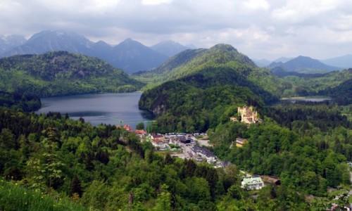 NIEMCY / Bawaria / Schwangau( dzielnica Hohenschwangau) / -widok na Hohenschwangau-