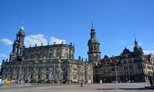 Zdjecie NIEMCY / Saksonia / Drezno / Katedra Świętej Trójcy po lewej