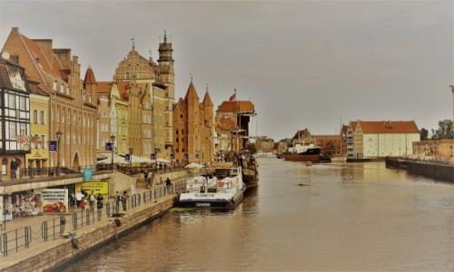 Zdjęcie POLSKA / Pomorze / Gdańsk / Gdańsk, widok na żurawia