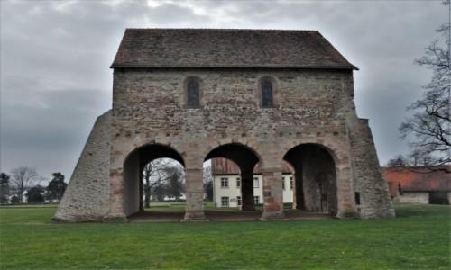 Zdjęcie NIEMCY / Hesja / Lorsch / Lorsch, ruiny preromańskiego klasztoru Altenmünster
