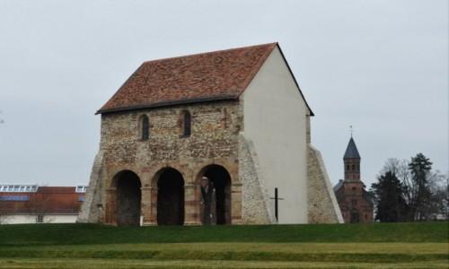 Zdjęcie NIEMCY / Hesja / Lorsch / Lorsch, ruiny opactwa z VIII w.