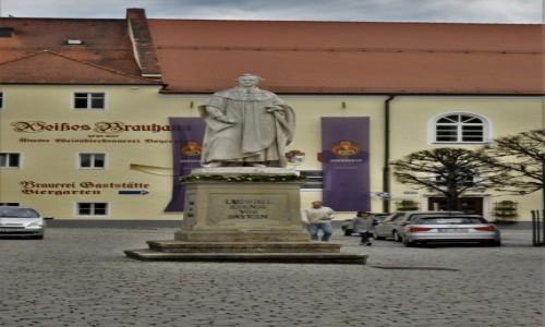 Zdjęcie NIEMCY / Niederbayern / Kelheim / Kelheim, pomnik króla bawarskiego