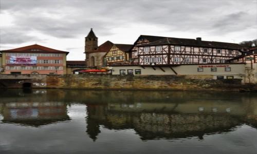 Zdjecie NIEMCY / Badenia-Wirtembergia / Schwabisch Hall / Schwabisch Hall, spacer nad rzeką