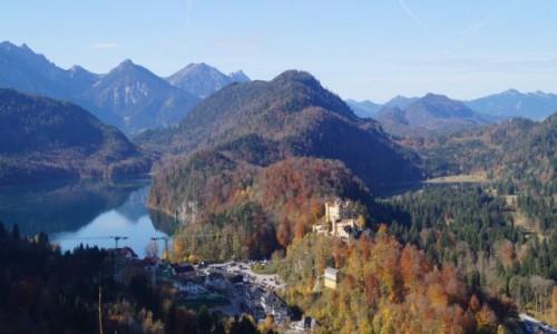 NIEMCY / Bawaria / Neuschwanstein / widok bajkowy